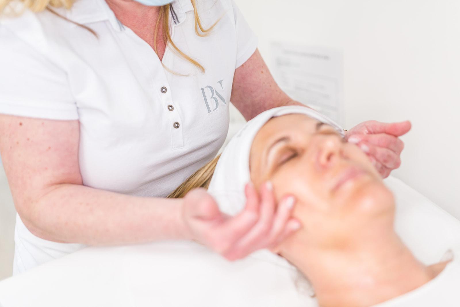 Medicinska kozmetologija i estetska dermatologija